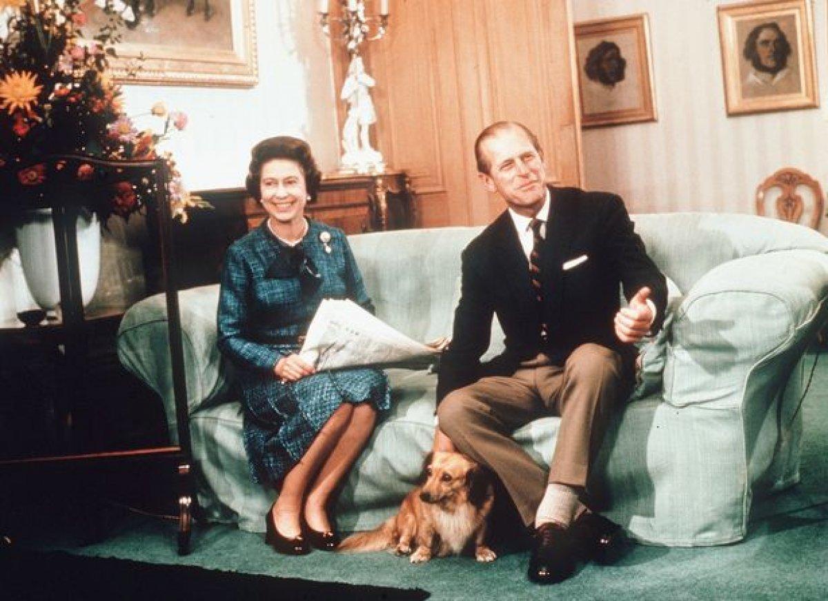 Kraliçe Elizabeth, köpeğine savaşta ölen amcası Fergus un adını verdi #1