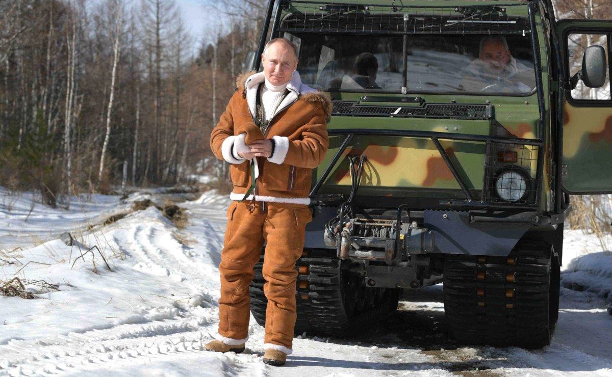 Putin, hafta sonu tatilinde Savunma Bakanı ile Sibirya'da #4