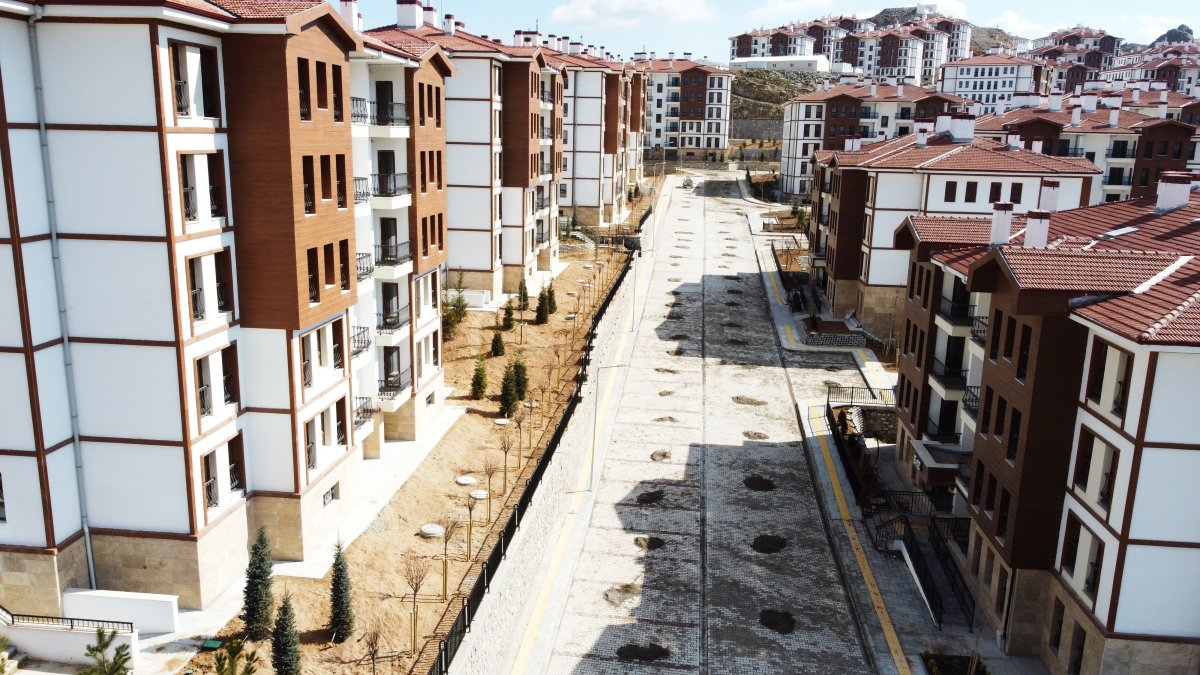 Malatya'da depremzedeler için yapılan konutlar teslim aşamasına geldi #7