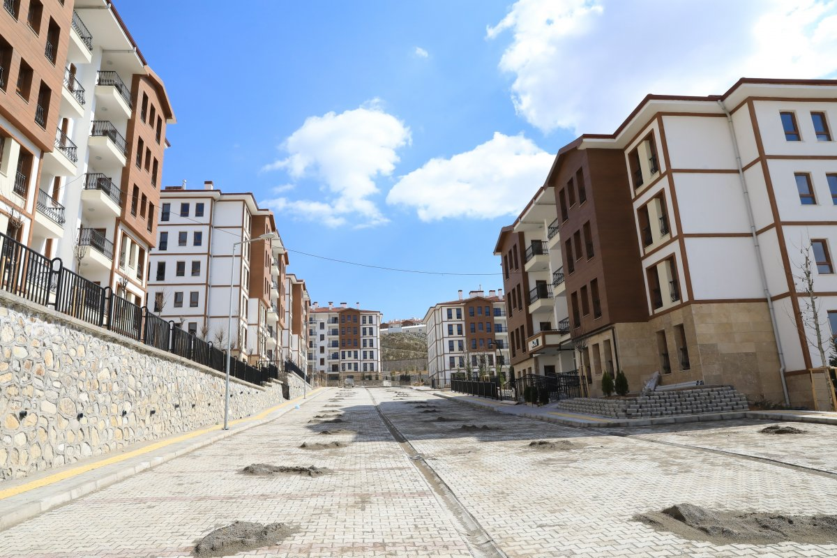 Malatya'da depremzedeler için yapılan konutlar teslim aşamasına geldi #4