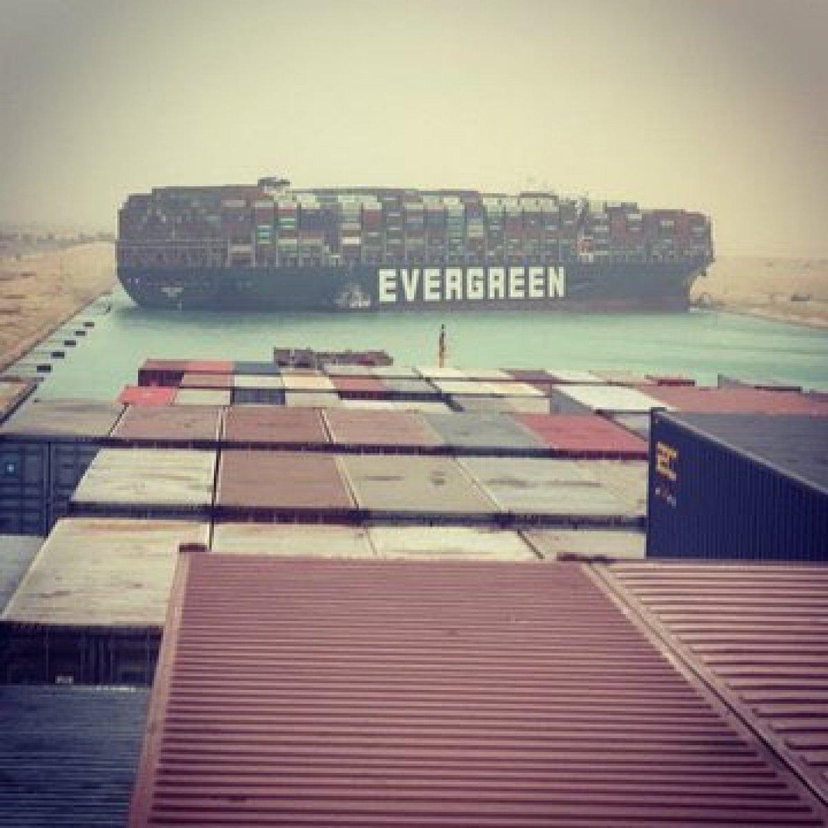 Süveyş Kanalı, gemi trafiğine kapandı #2