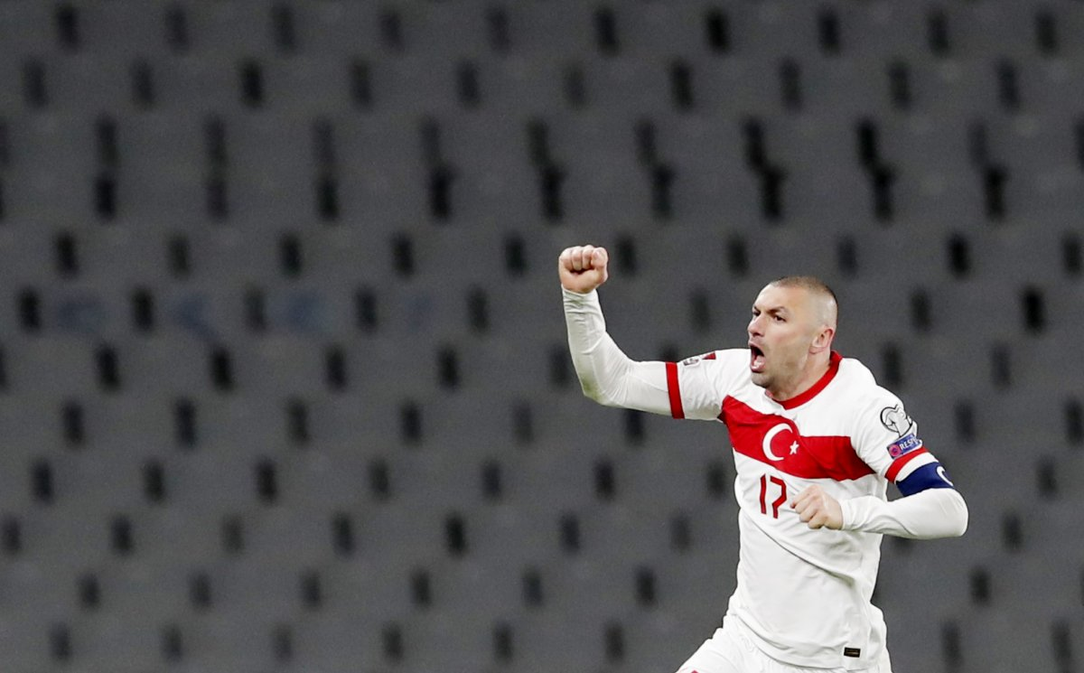 Burak Yılmaz, Hollanda ya 3 gol atan ilk futbolcu oldu #1