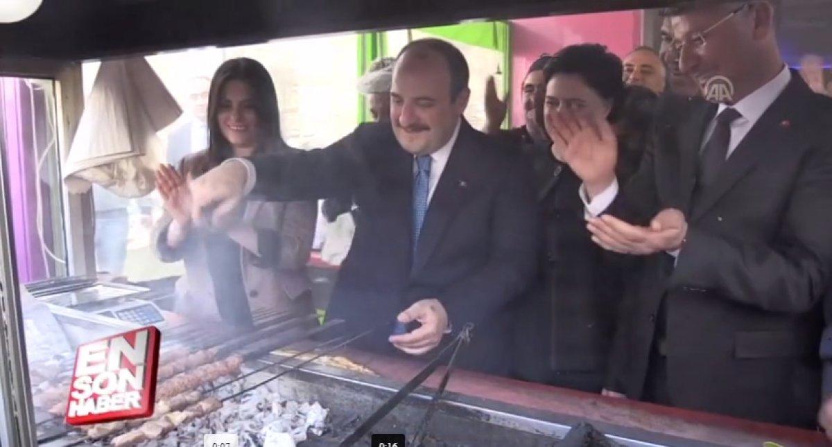 Sanayi ve Teknoloji Bakanı Mustafa Varank tan doblo esprisi #2