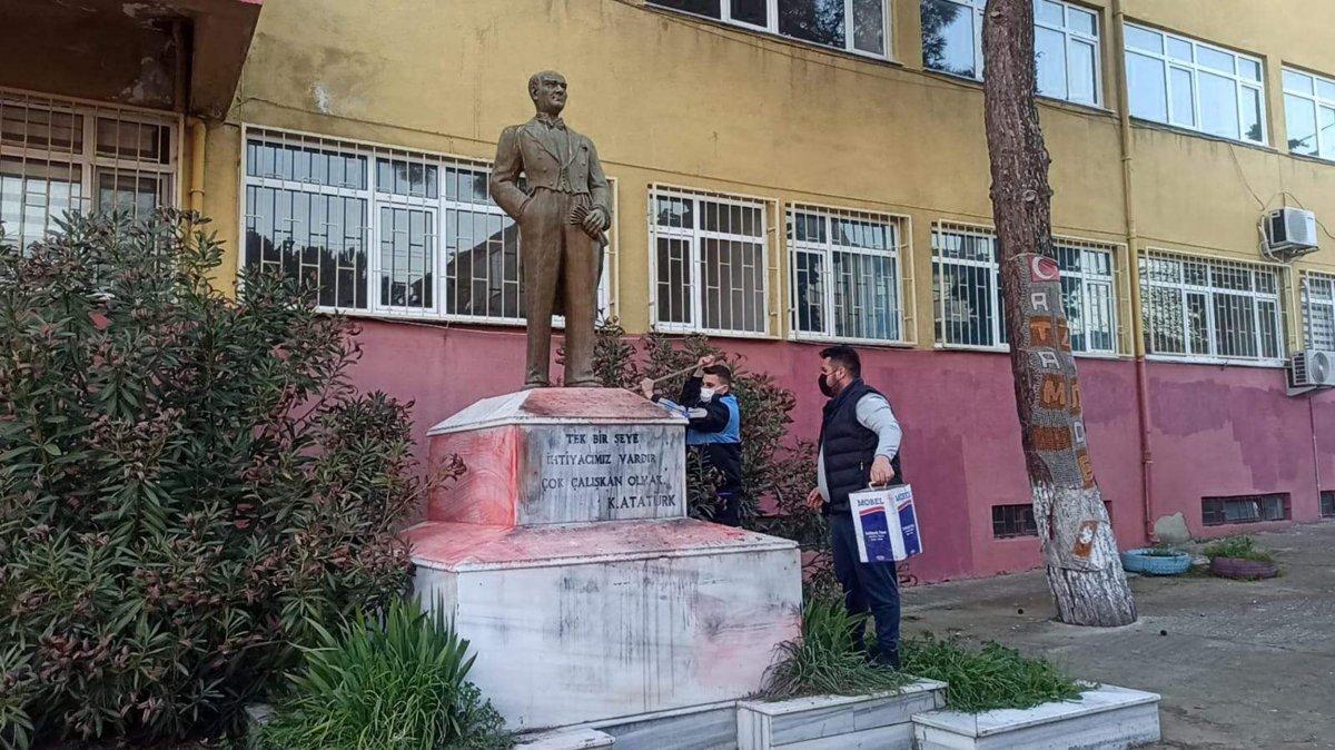 Tekirdağ da Atatürk heykeline çirkin saldırı #8