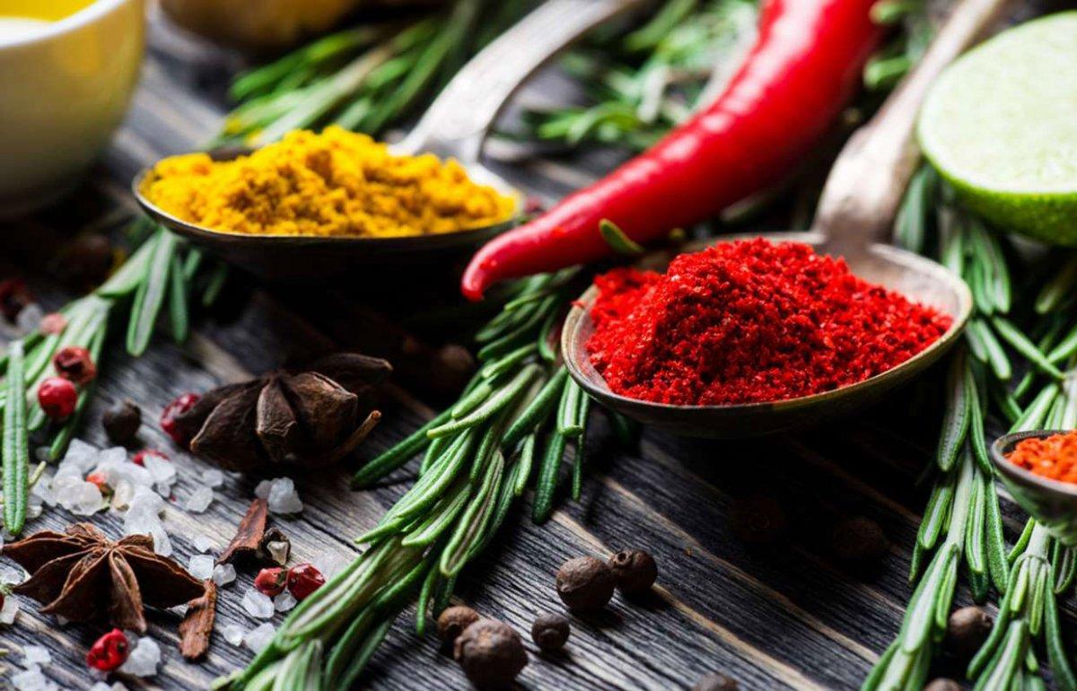 Baharatlı yiyecekler yemenin 5 faydası #1