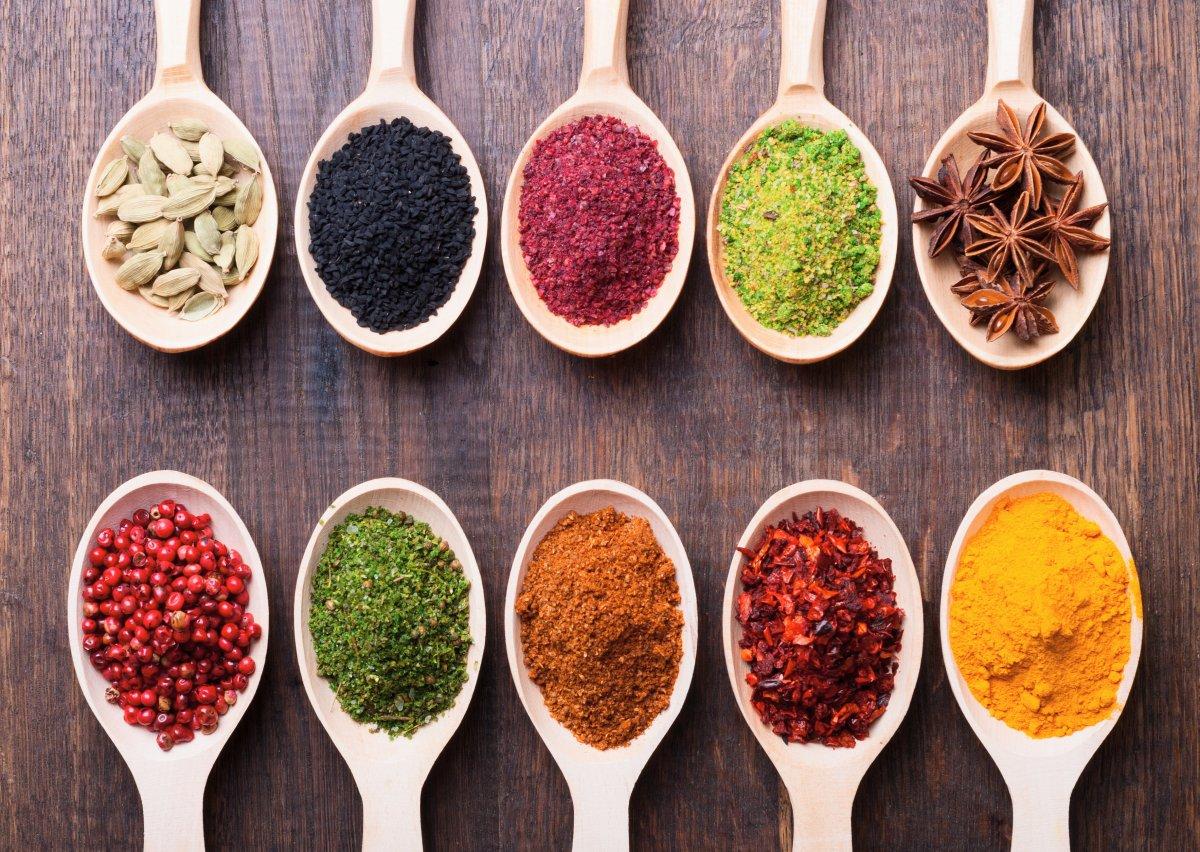 Baharatlı yiyecekler yemenin 5 faydası #4
