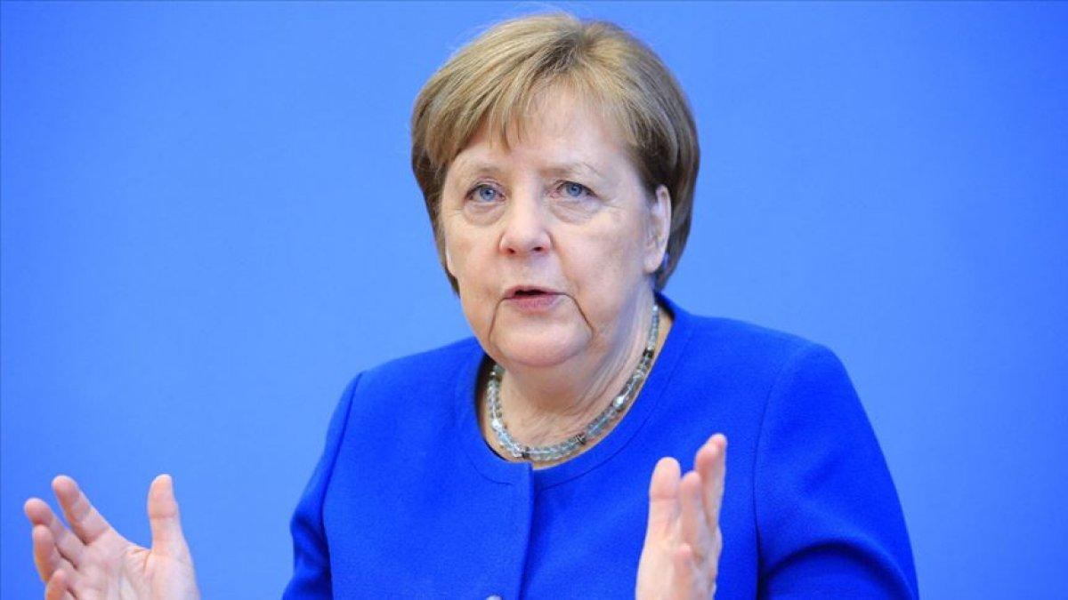 Merkel, eyalet başbakanlarından tedbirlere uymalarını istedi #1