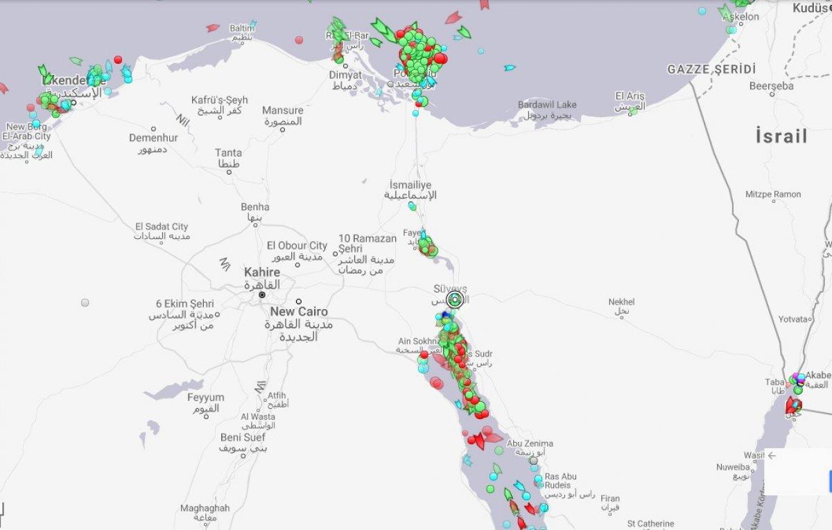 Süveyş Kanalı, 7 günün ardından trafiğe açıldı #1
