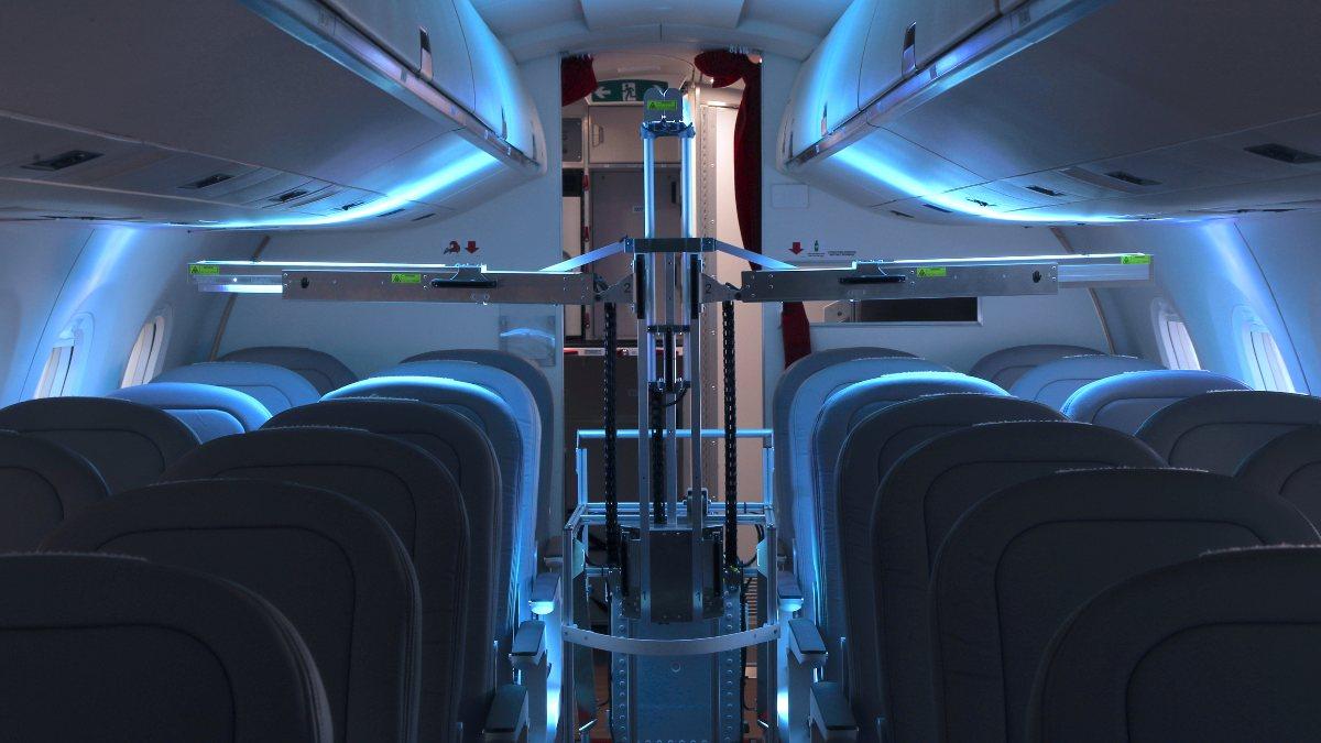 İsviçrede, uçaklardaki virüsleri yok etmek için robot üretildi