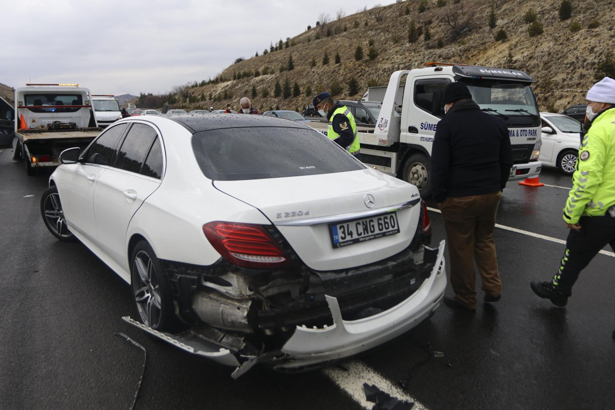 İstanbul-Ankara yolunda zincirleme trafik kazası #6