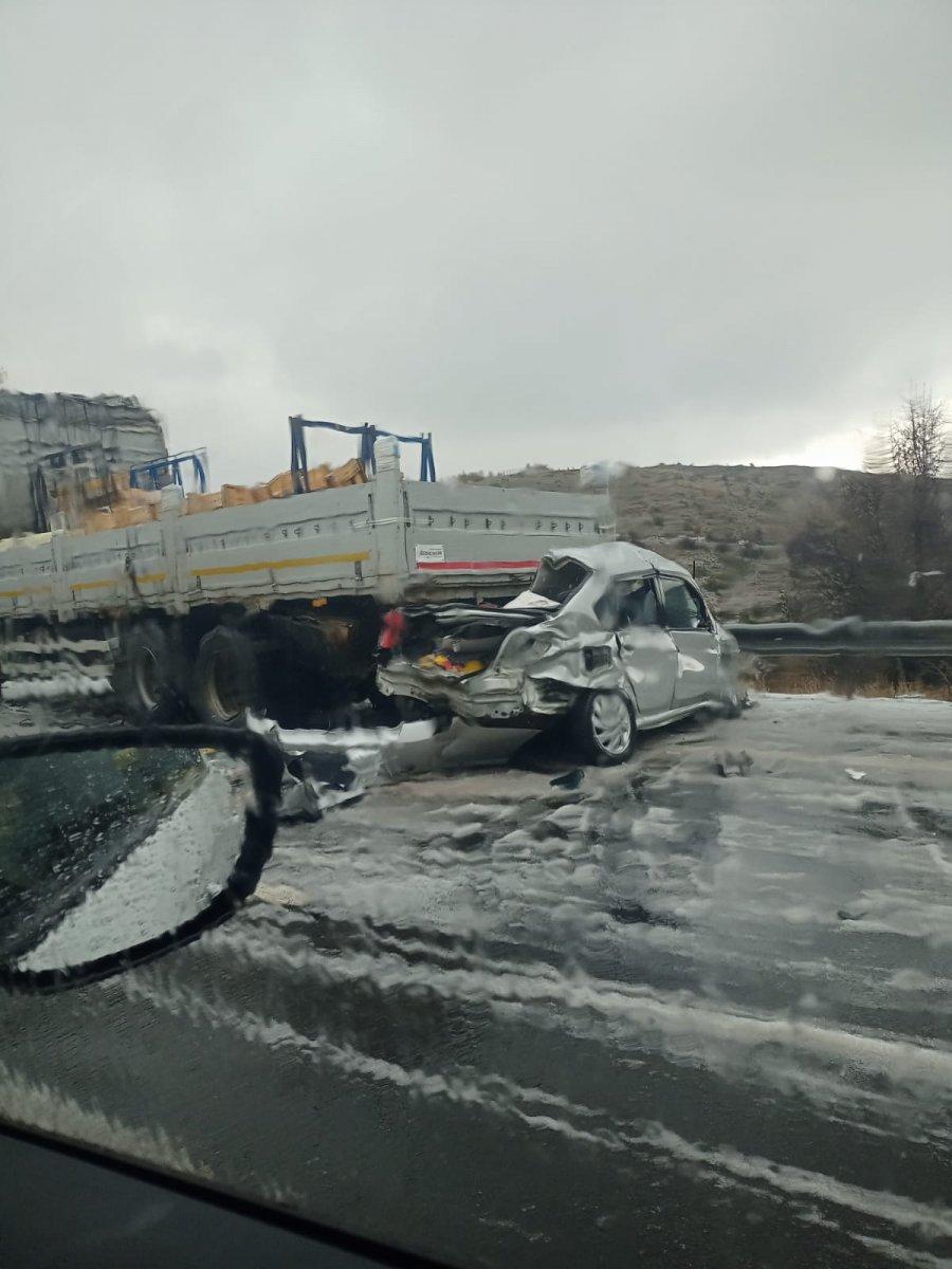 İstanbul-Ankara yolunda zincirleme trafik kazası #1