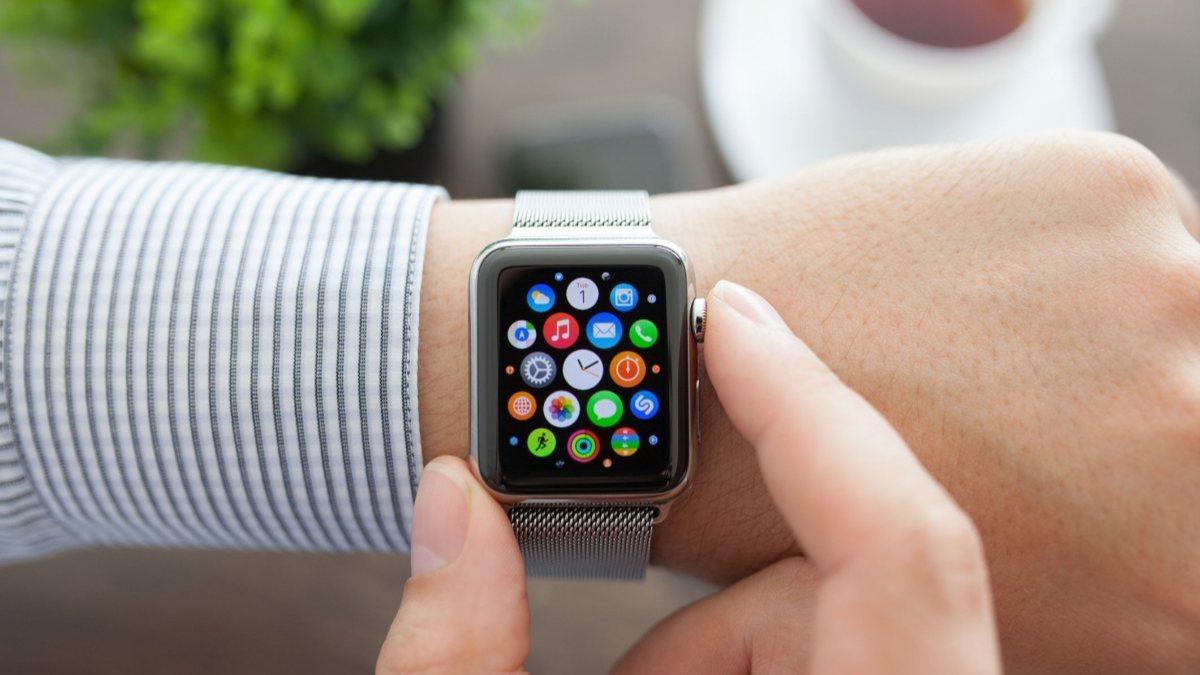 Apple Watch ile iPhoneların kilidini açma özelliği watchOS 7.4 ile geliyor