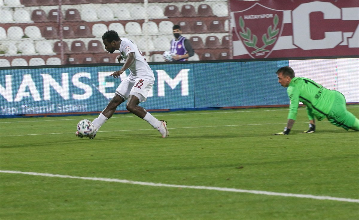 Galatasaray deplasmanda Hatayspor a 3-0 kaybetti #4