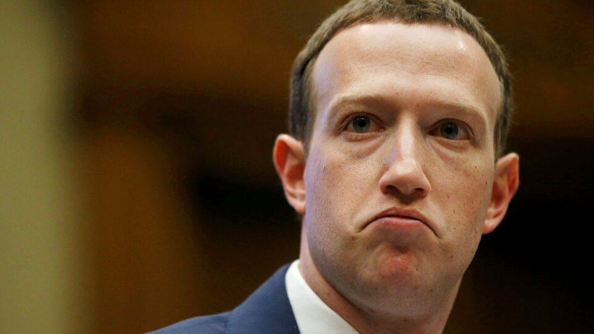 Hackerlar, Facebook CEOsu Mark Zuckerbergin bilgilerini çaldı