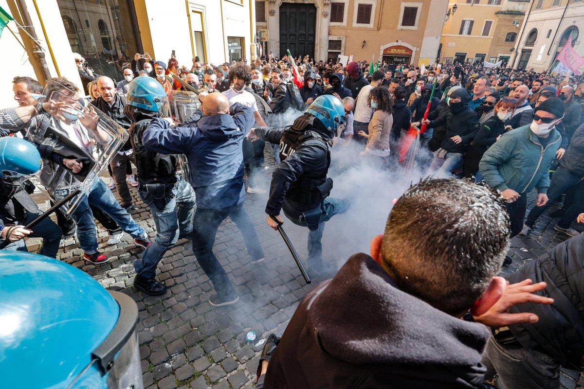 Roma da koronavirüs kısıtlamaları protesto edildi #2