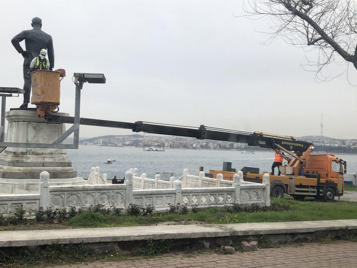 İBB, Atatürk anıtına bakım yaptı #1