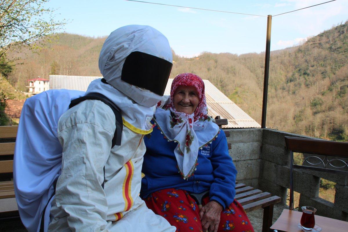 Rize'de 4 genç, kendilerini astronota benzeterek kısa videolar çekiyor #3
