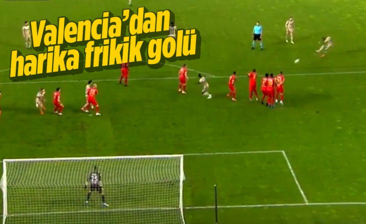 Fenerbahçe deplasmanda Yeni Malatyaspor la berabere kaldı #5