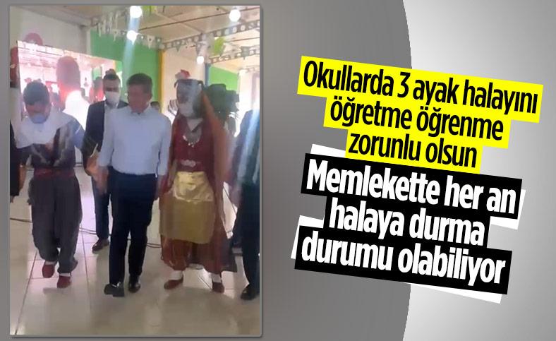 Ahmet Davutoğlu'nun halayla imtihanı