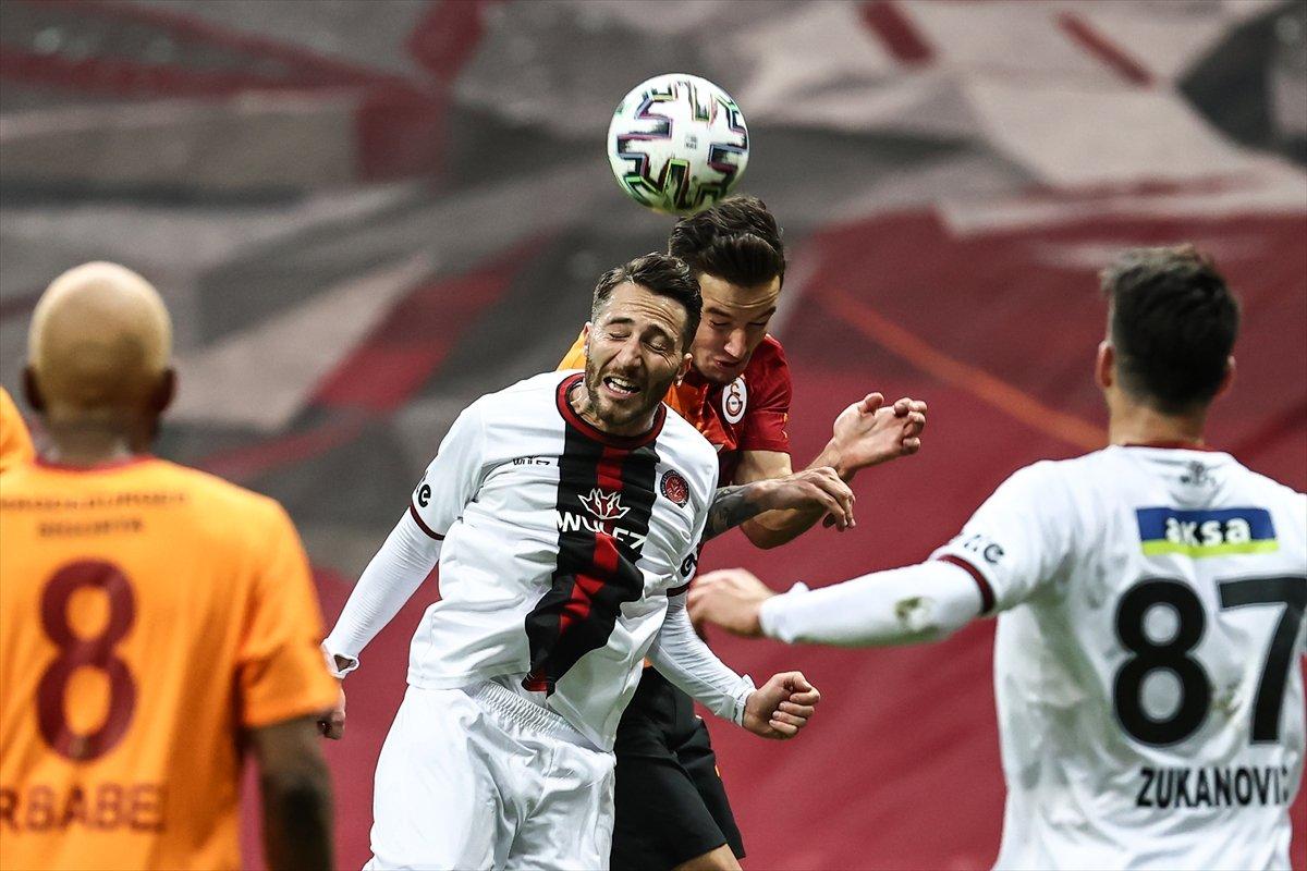 Galatasaray evinde Karagümrük ile berabere kaldı #2