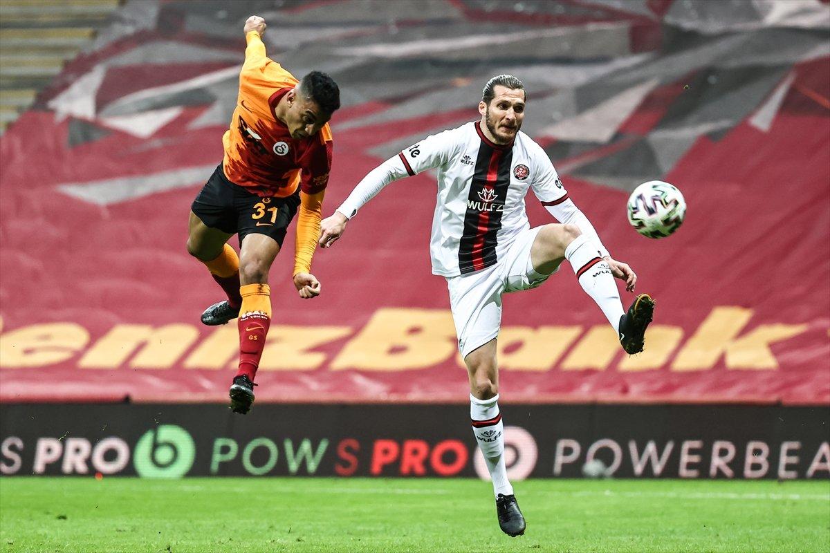 Galatasaray evinde Karagümrük ile berabere kaldı #1