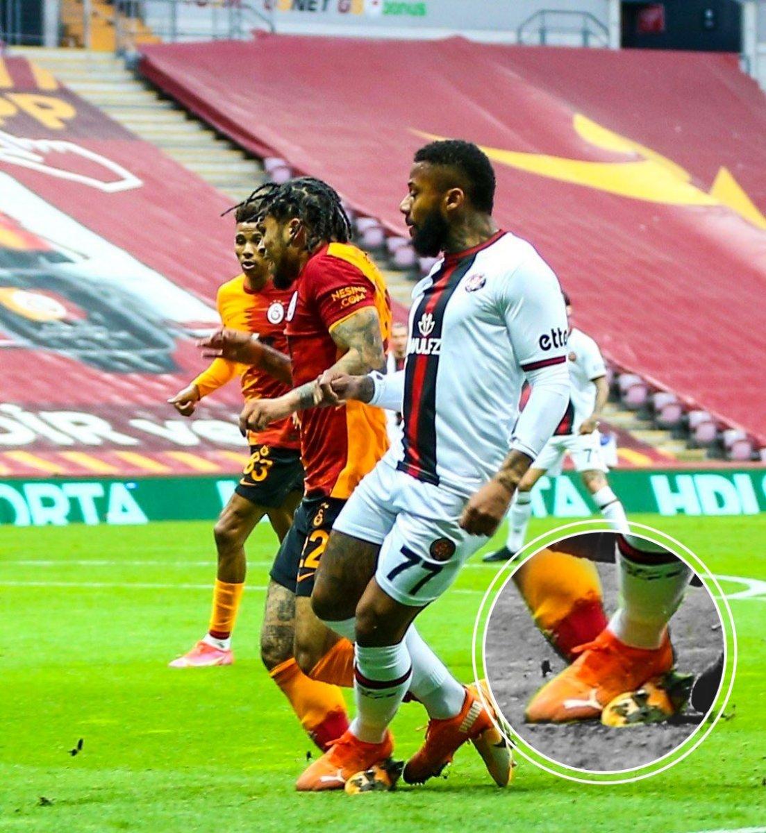 Galatasaray dan Yedlin in pozisyonuna fotoğraflı tepki #2