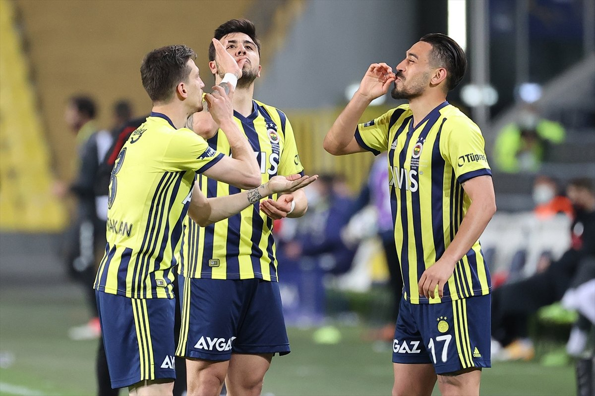 Fenerbahçe evinde Gaziantep i 3 golle mağlup etti #2