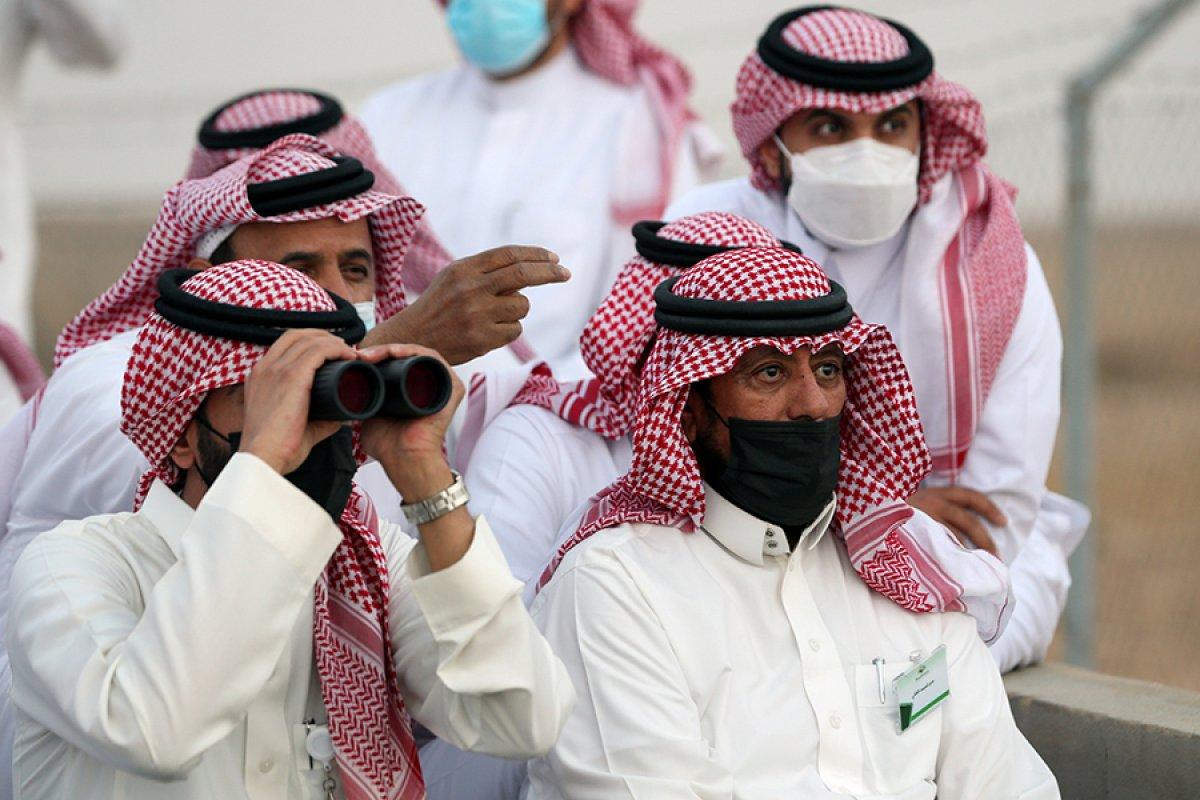 Hilali göremeyen Arap ülkeleri var #5