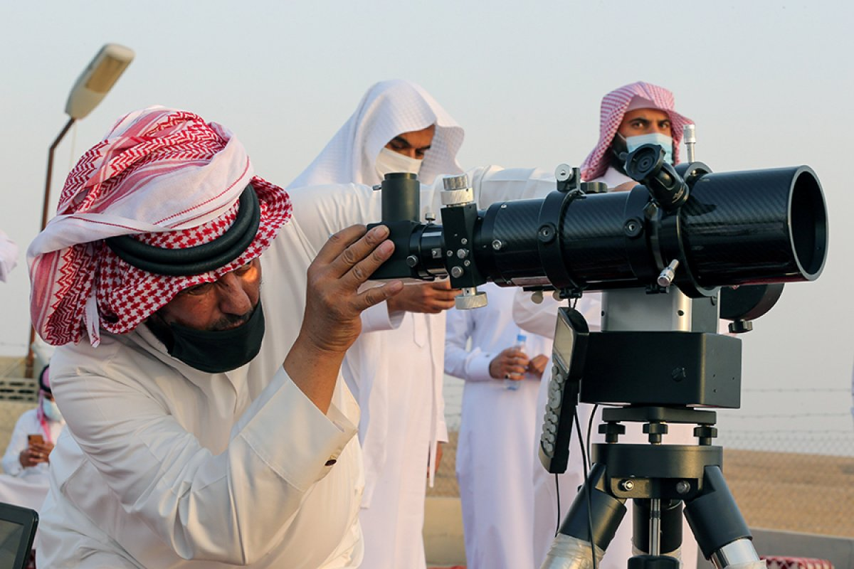 Hilali göremeyen Arap ülkeleri var #1