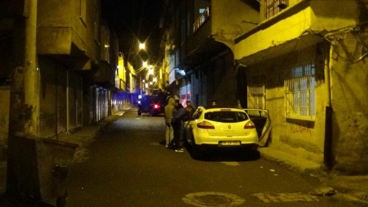Diyarbakır'da uyuşturucu satıcıları arasında silahlı çatışma #2