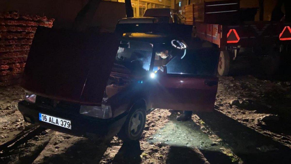 Bursa da oto hırsızları, polis kovalamacasında yakalandı #3