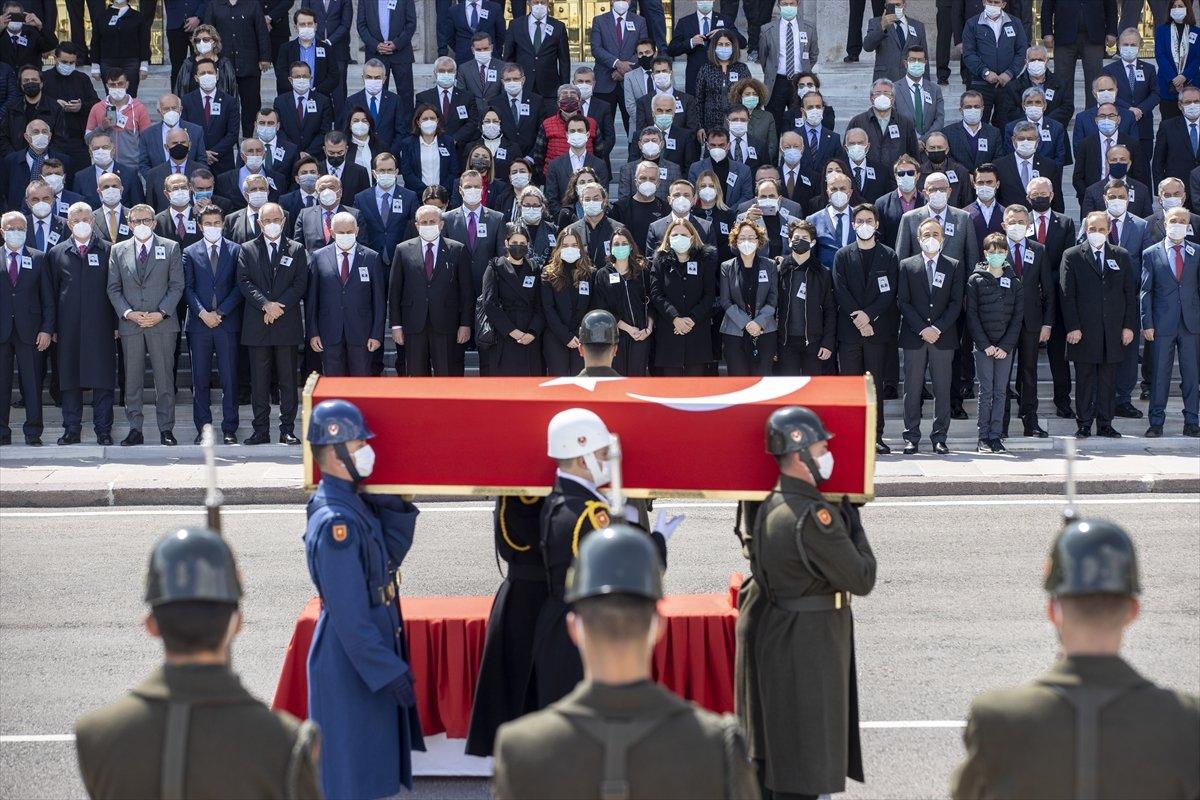 Cumhurbaşkanı Erdoğan, Yıldırım Akbulut un cenaze törenine katıldı #11