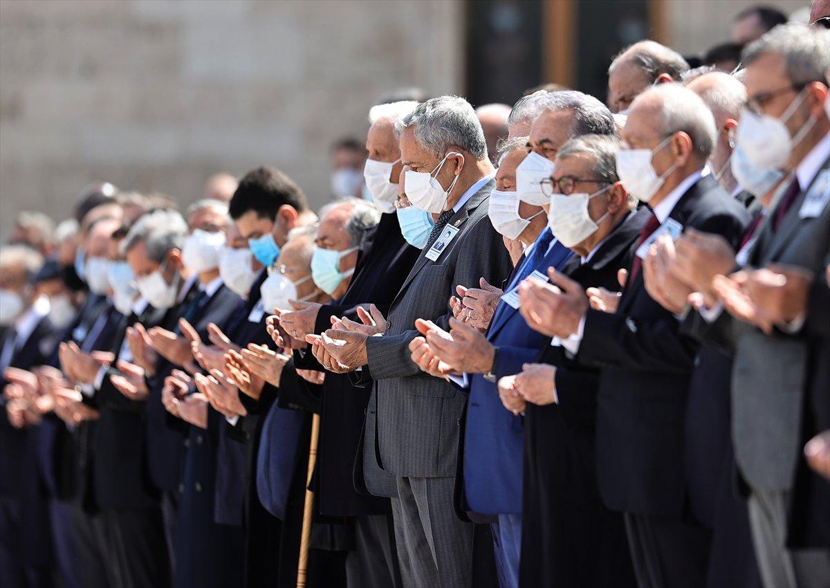 Cumhurbaşkanı Erdoğan, Yıldırım Akbulut un cenaze törenine katıldı #6