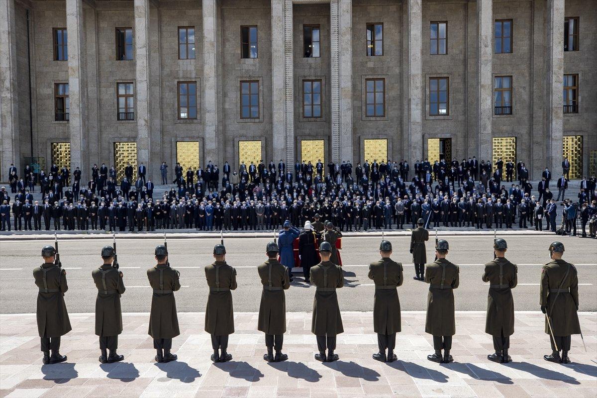 Cumhurbaşkanı Erdoğan, Yıldırım Akbulut un cenaze törenine katıldı #7