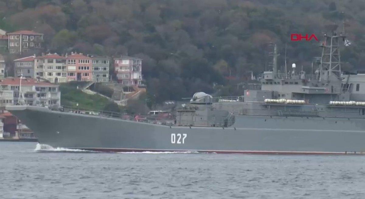 Rus savaş gemileri İstanbul Boğazı ndan geçti #2