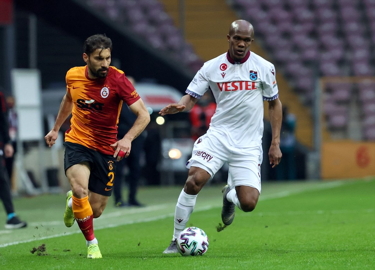 Galatasaray evinde Trabzonspor la berabere kaldı #2
