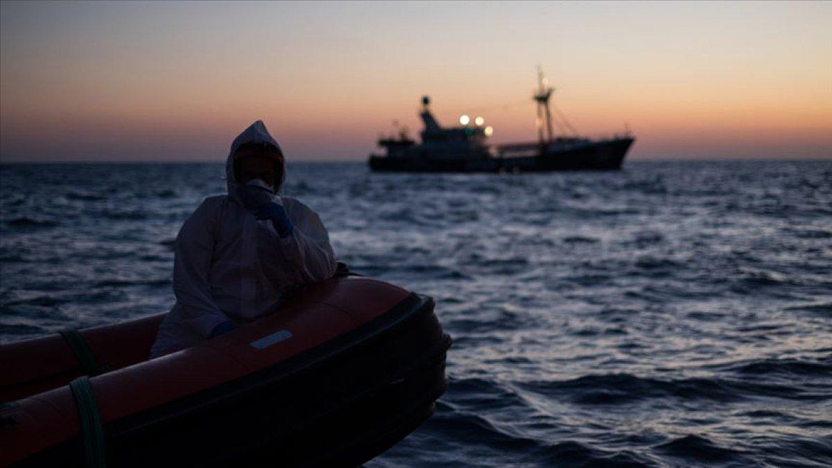 Akdeniz deki tekne kazasında çok sayıda göçmen hayatını kaybetti #1
