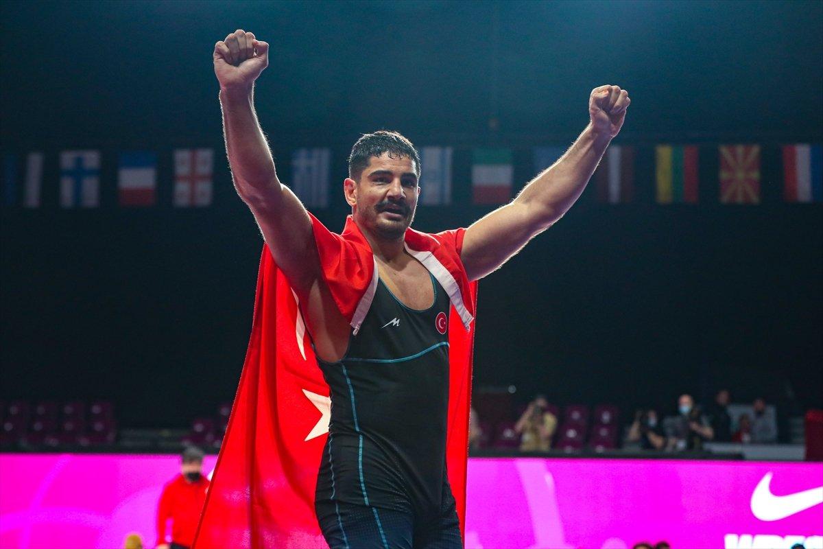 Taha Akgül, 8. şampiyonlukla Avrupa güreş tarihine geçti #2