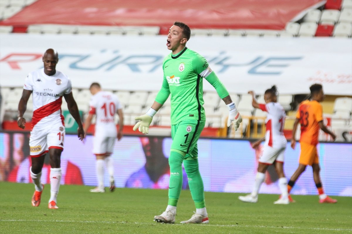 Galatasaray deplasmanda Antalyaspor u mağlup etti #5