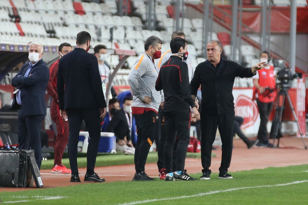 Galatasaray deplasmanda Antalyaspor u mağlup etti #7