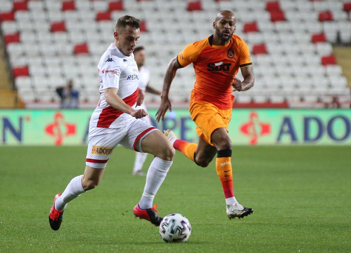 Galatasaray deplasmanda Antalyaspor u mağlup etti #1
