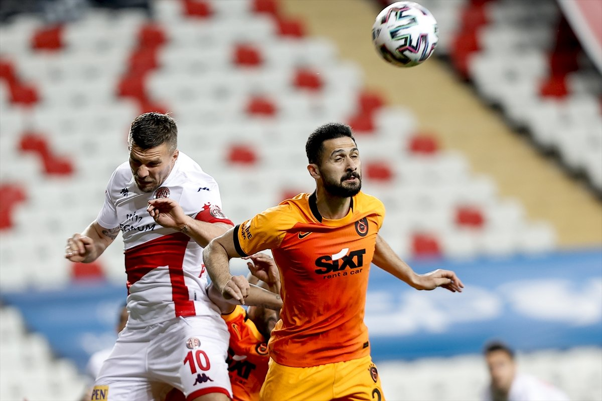 Galatasaray deplasmanda Antalyaspor u mağlup etti #8