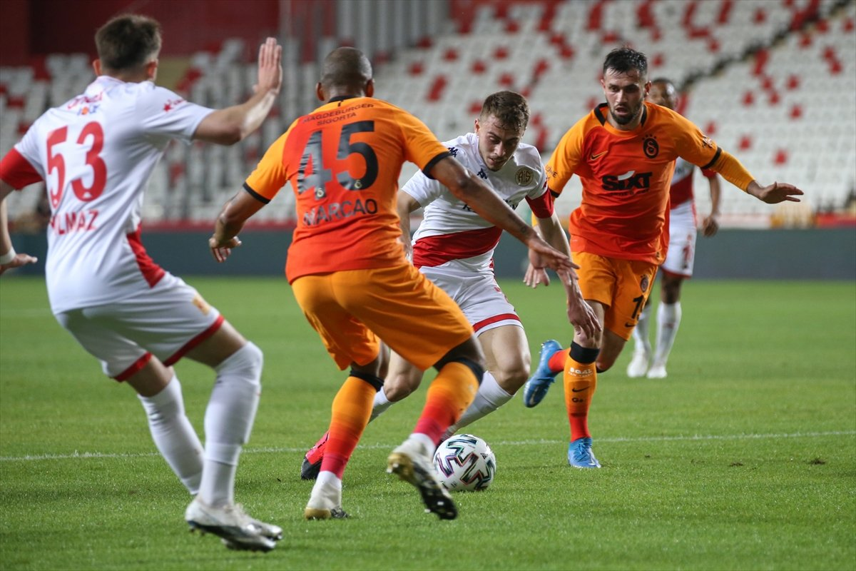 Galatasaray deplasmanda Antalyaspor u mağlup etti #4