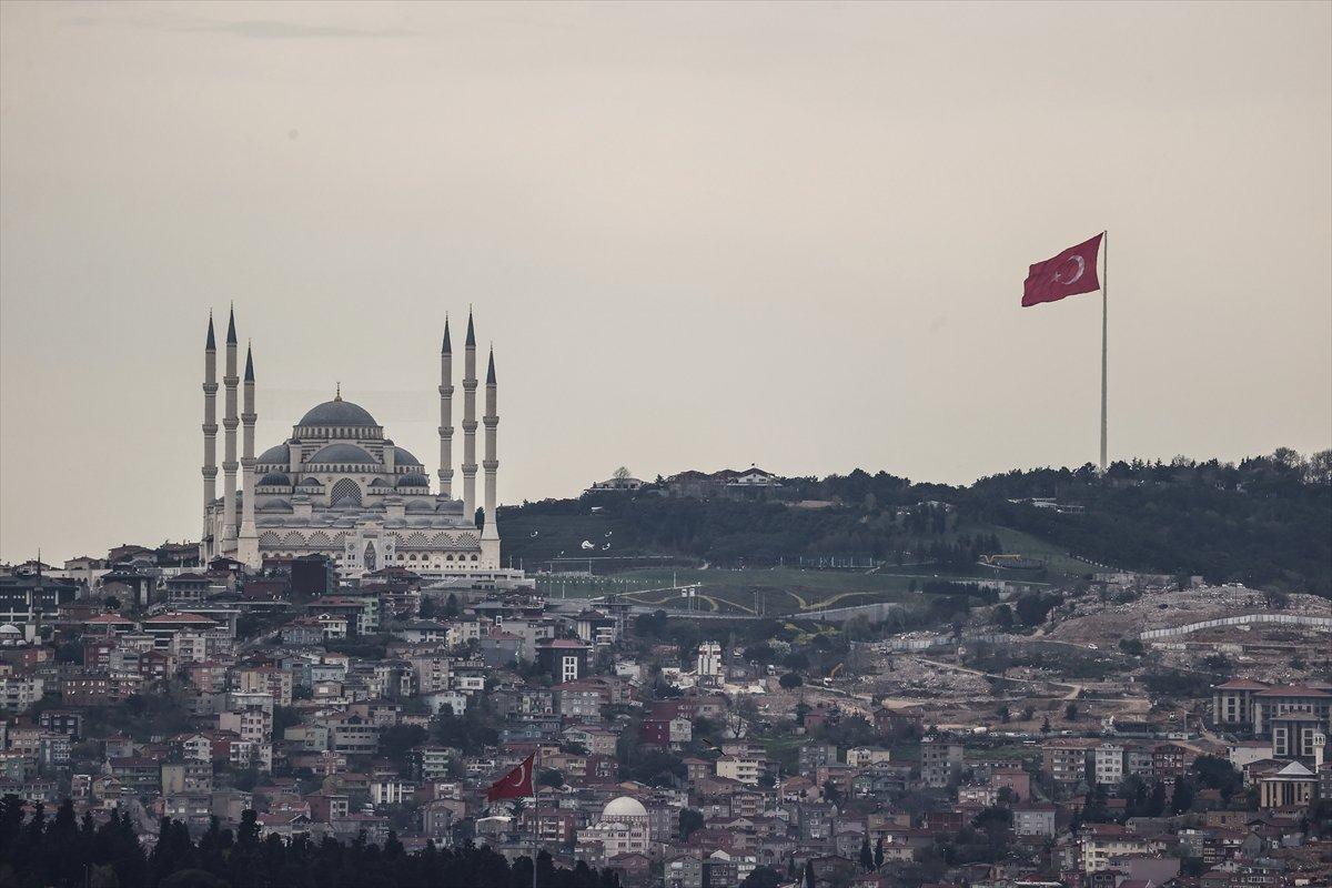 İstanbul da en uzun Türk bayrağı dalgalanıyor #4