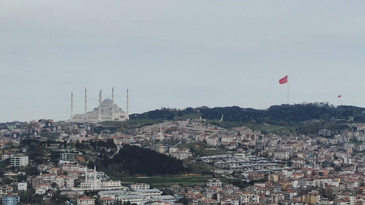 İstanbul da en uzun Türk bayrağı dalgalanıyor #3