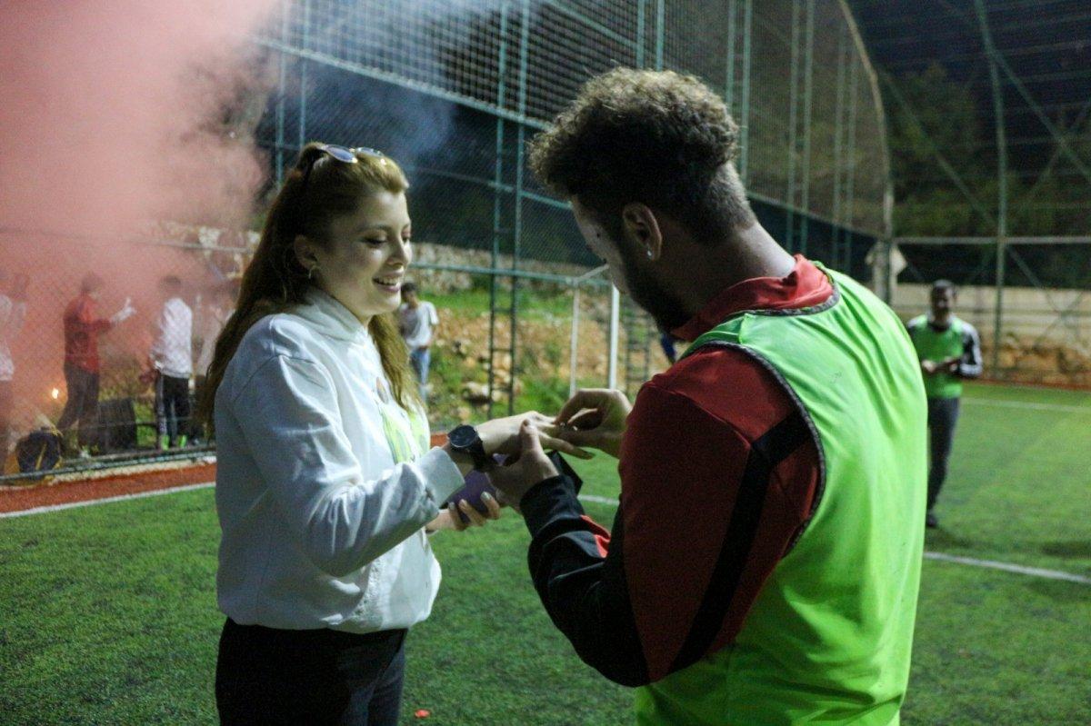 Antalya'da kız arkadaşına sakatlık numarasıyla evlilik teklifi yaptı