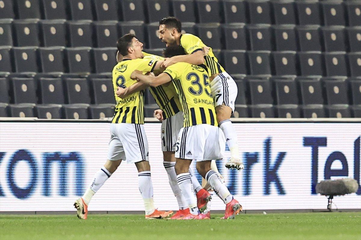 Fenerbahçe, Kasımpaşa yı 3 golle yendi #1