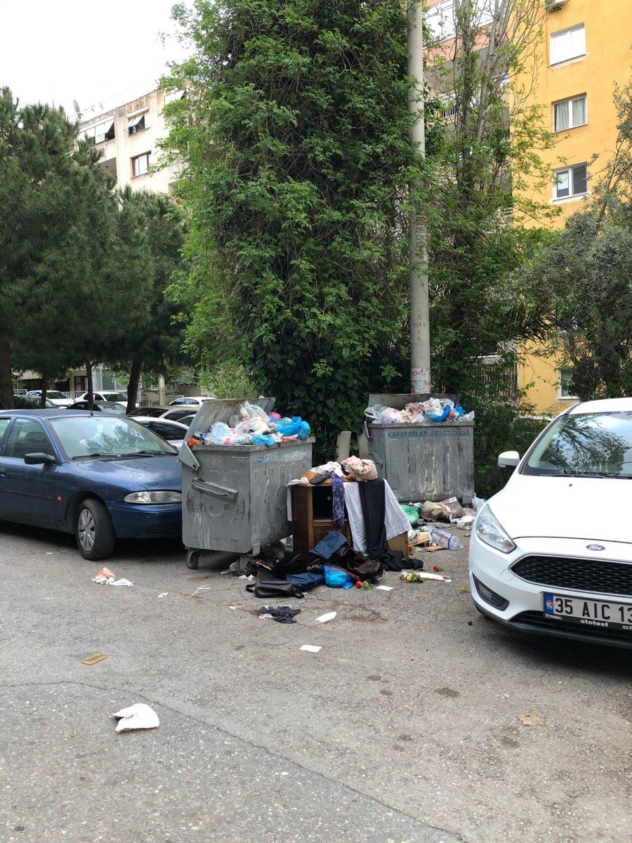CHP yönetimindeki Karabağlar da çöp krizi #3