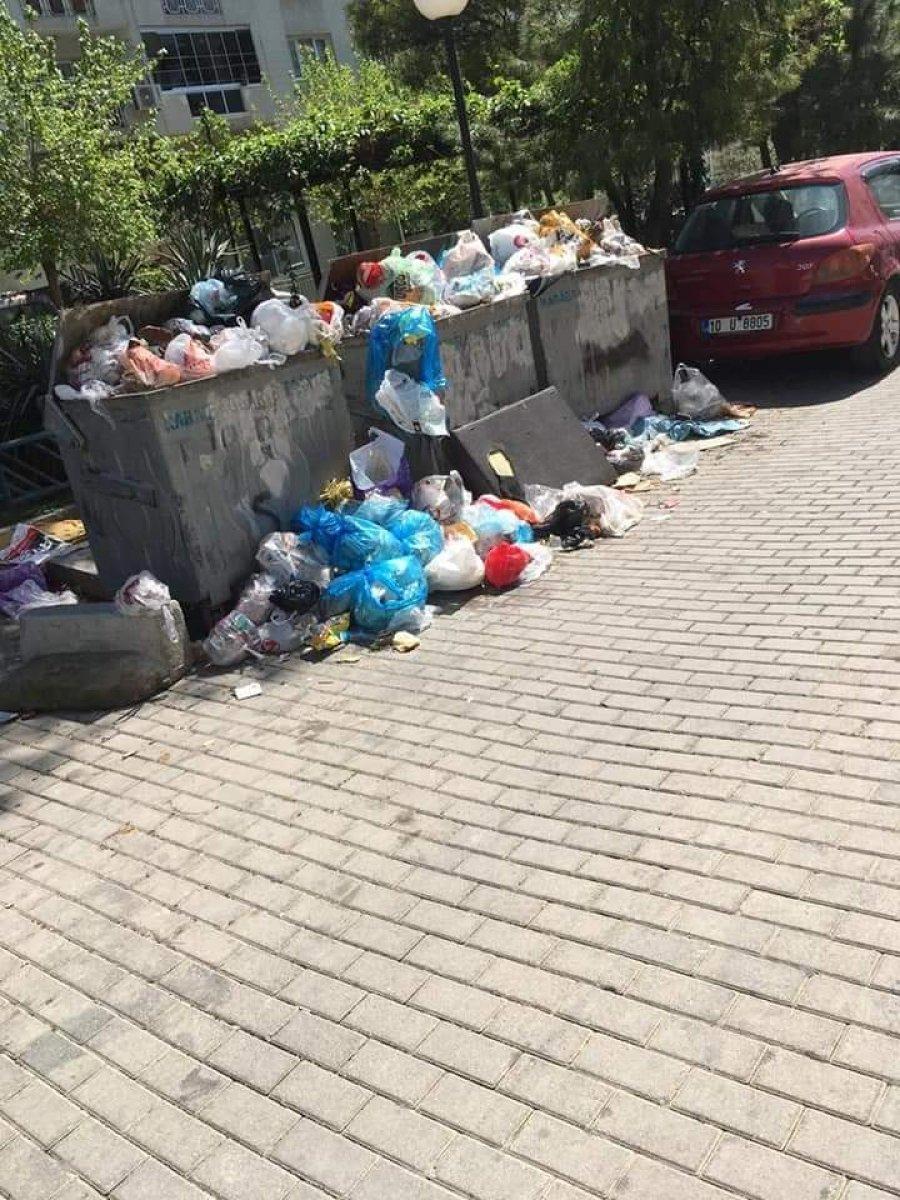 CHP yönetimindeki Karabağlar da çöp krizi #2