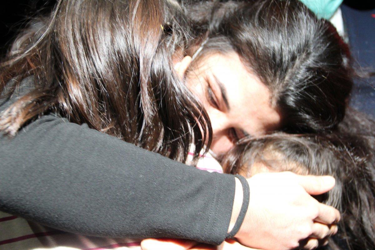 İşkenceci eşini öldüren Melek İpek in çocuklarına kavuşma anı #1